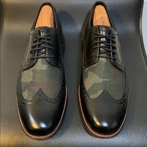 COLE HAAN Black/Camo Wing Tip Grand OS Technology